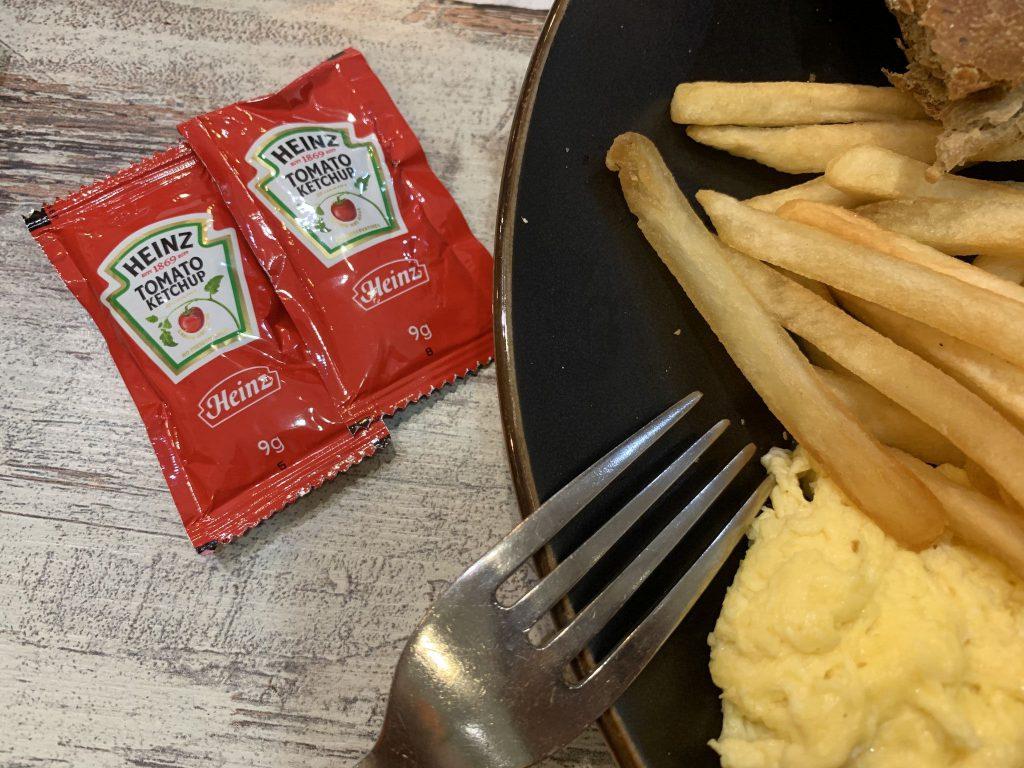 店內提供的番茄醬是亨氏番茄醬