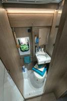 Chausson 594 - unabhängig mit dem Wohnmobil - Bad mit Toilette, Dusche und Waschbecken