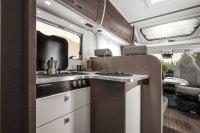 Etrusco 7400 Küche - 3flammiger Gasherd, Spüle, Kühl- Gefrierkombi und viel Platz