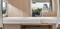 Matratzen und Bettunterlagen hochklappen - viel Zusatz - Stauraum im Camper...