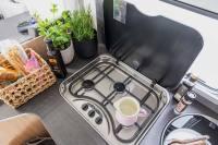 Hier kocht es sich gut - der dreiflammige Gasherd in diesem Wohnmobil lädt regelrecht zum kochen ein...