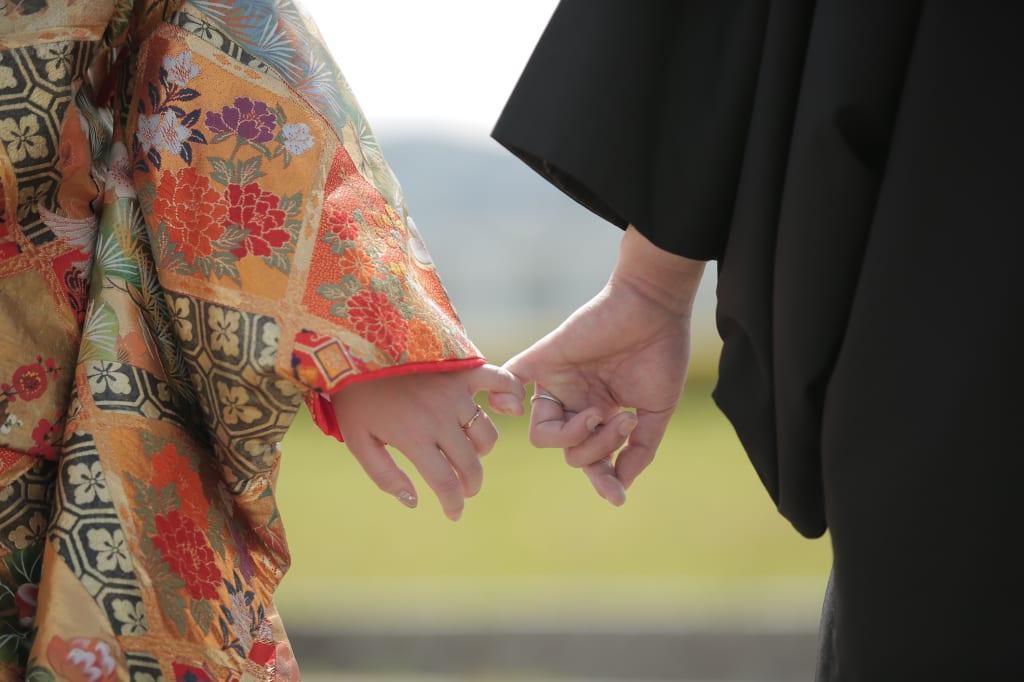 指輪や婚姻届など…