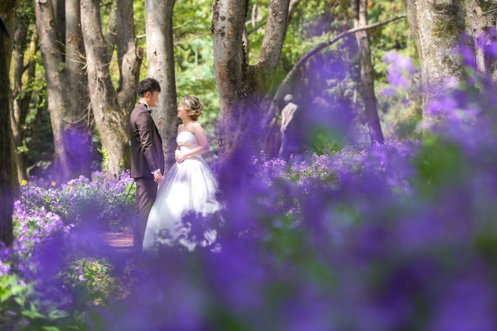 自然の中での婚礼写真