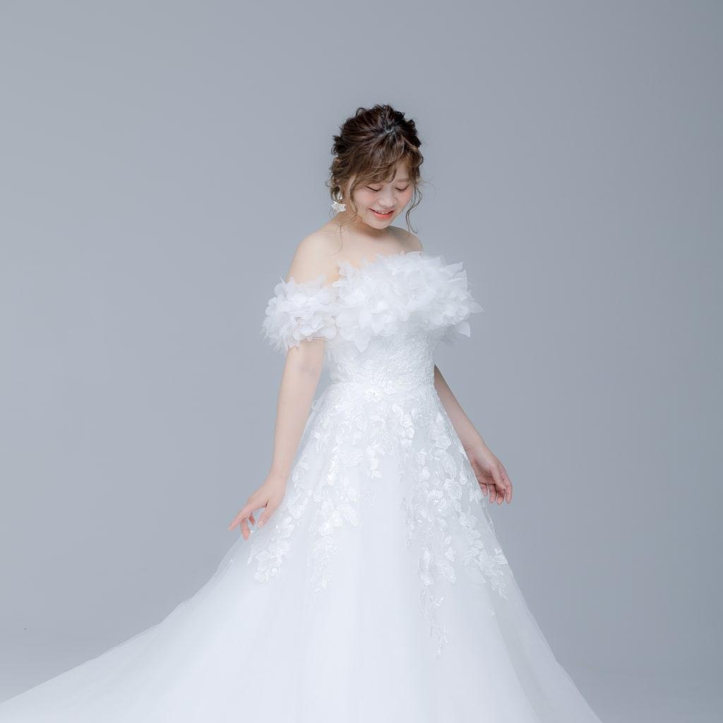 新作ウェディングドレスのご紹介◎【Aライン】