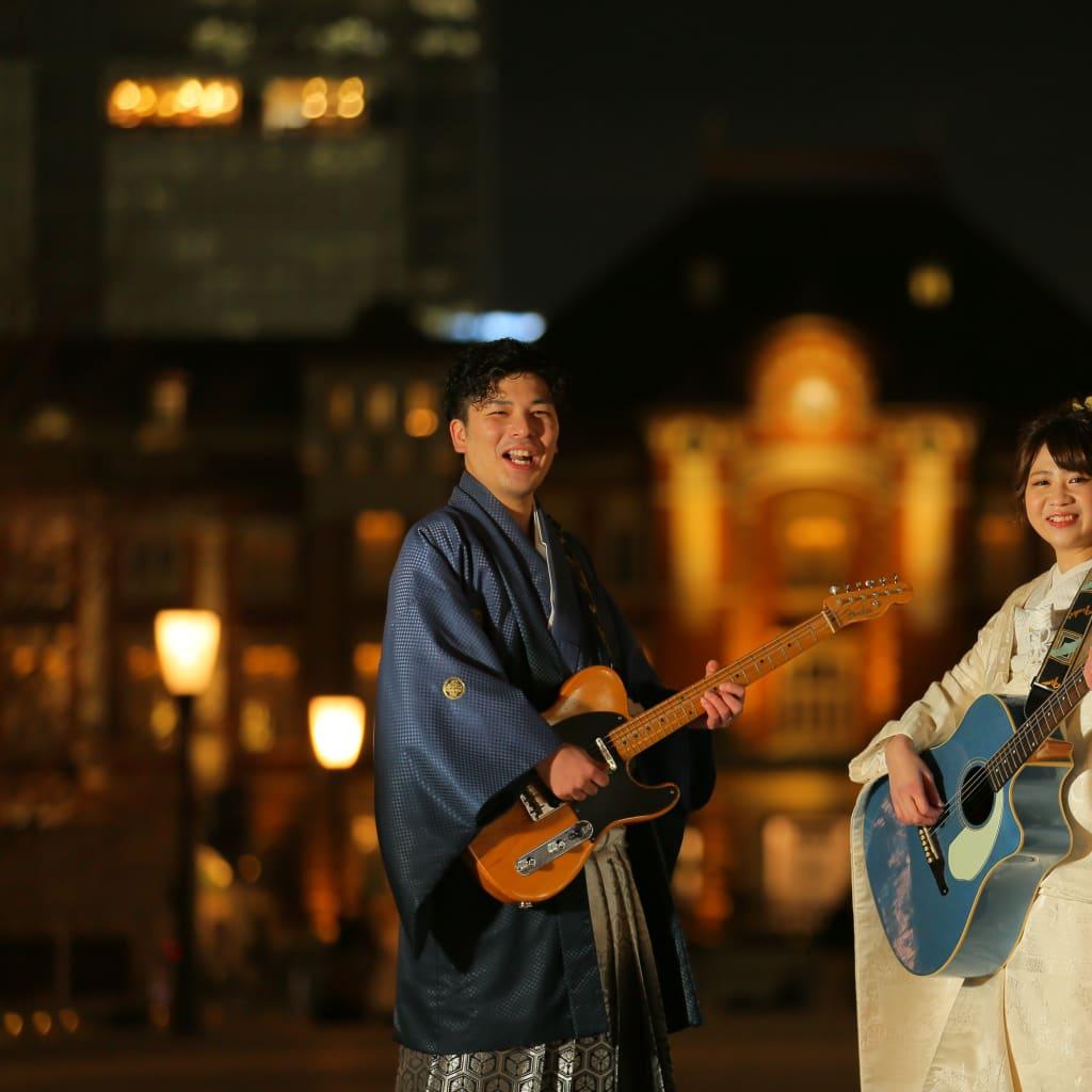夜景とギターと2人