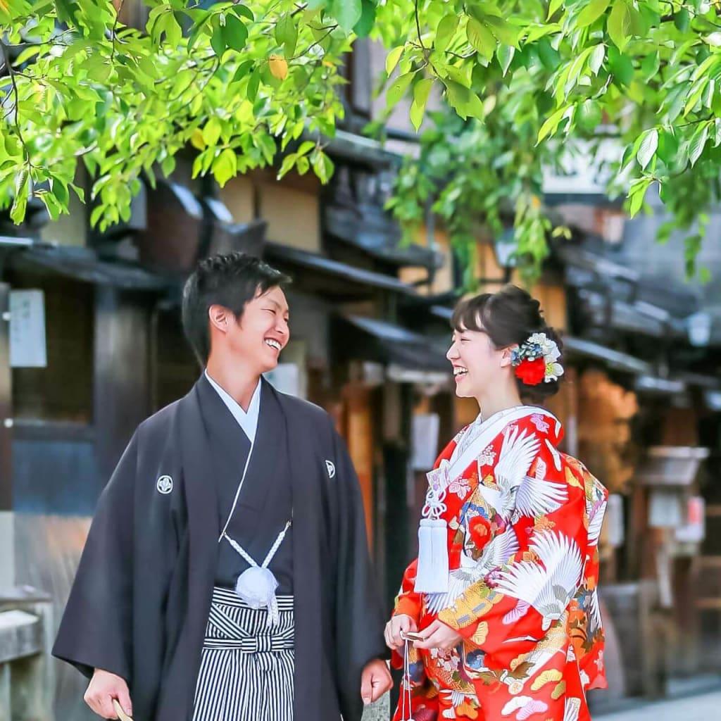 新緑の美しい京都・祇園で。