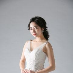 大人花嫁へ贈る洗練された至極のナチュラルドレスを