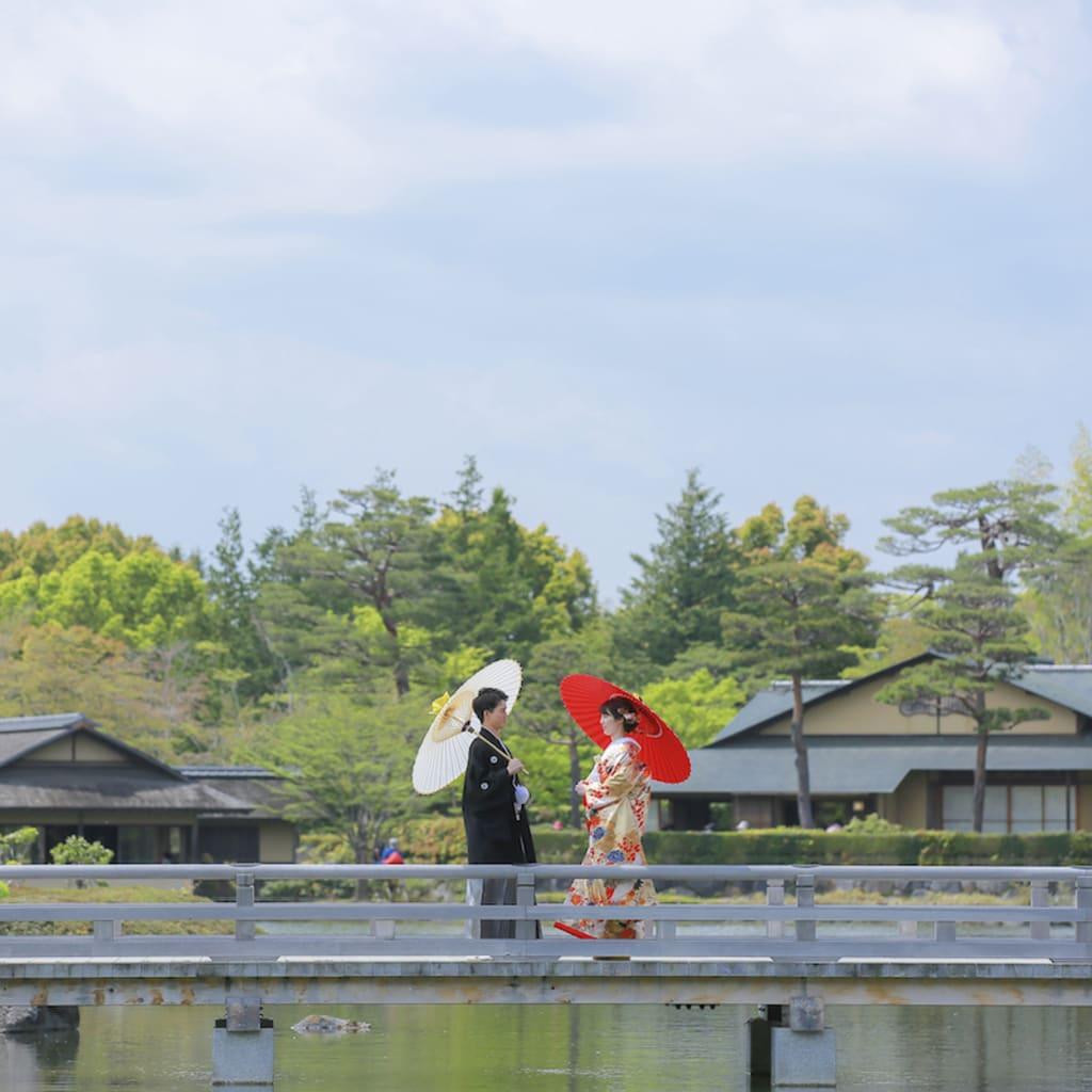 日本庭園でロケーション撮影
