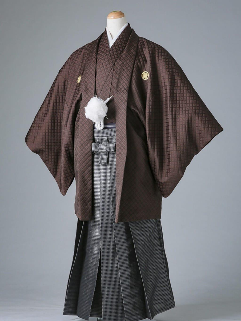 茶紋付× 黒格子袴