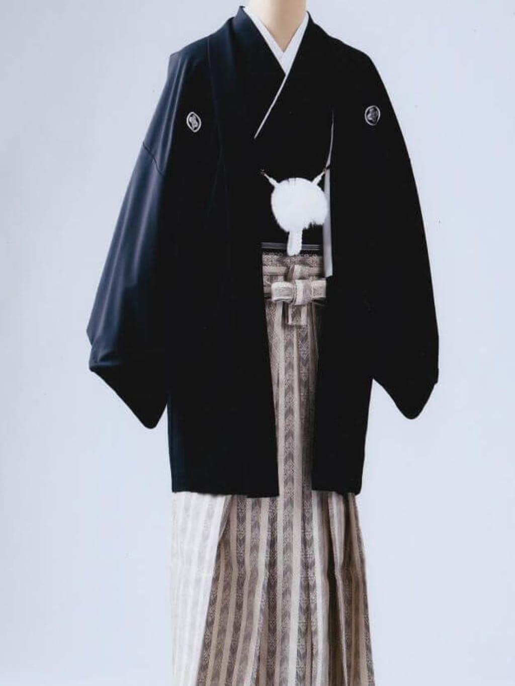 黒紋服 ゴールド袴_横浜店