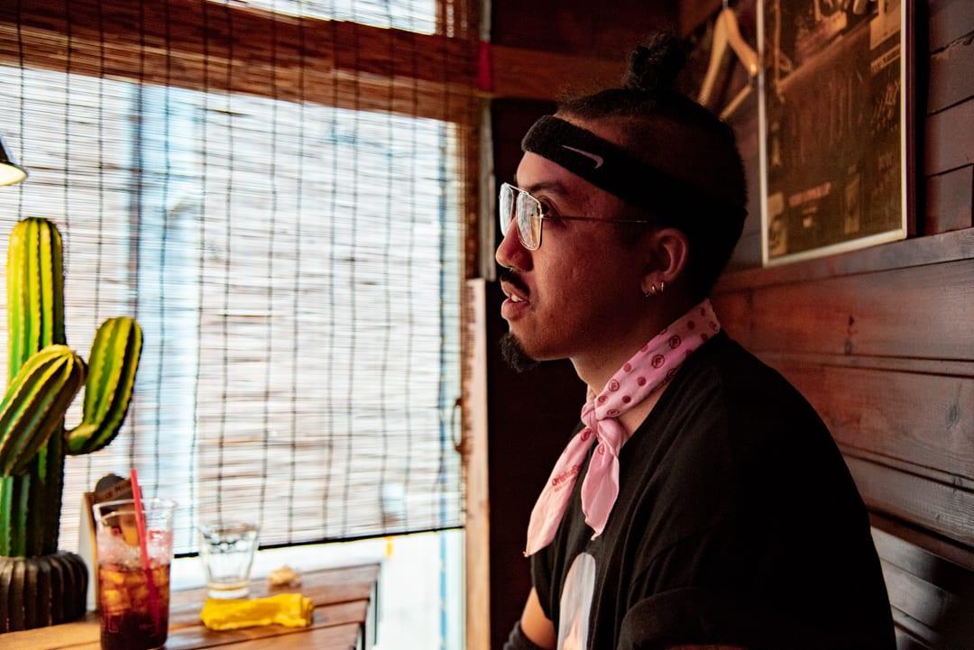 Representインタビューに答えるトラックメーカーのLil'Yukichi(リル・ユキチ)