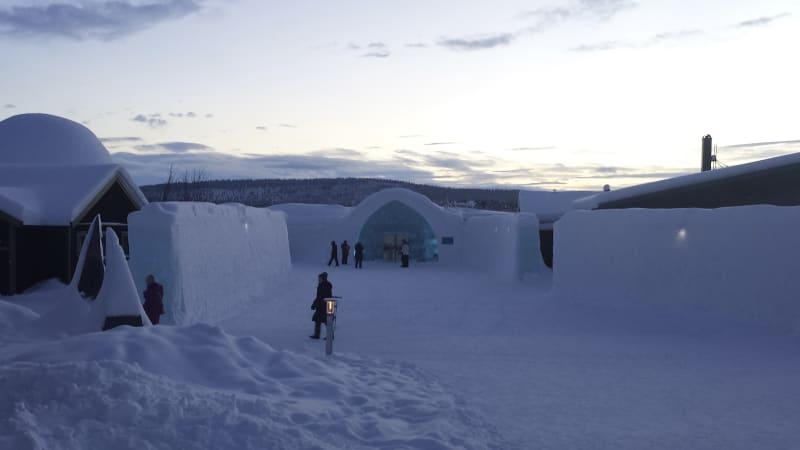 Ishotellet, samisk lunch i kåta & Kiruna
