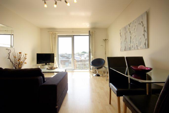 Kelvin Livingroom