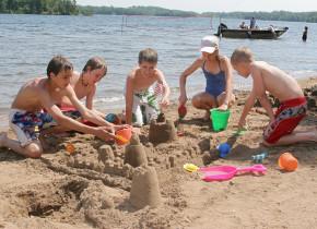 Sand castle building at Ruttger's Bay Lake Lodge.