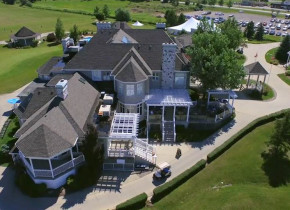 Exterior view of Sawmill Creek Golf Resort & Spa.