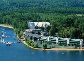 Aerial view of Cragun's Resort.