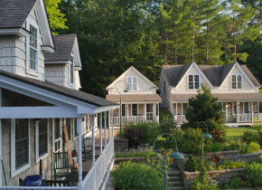 Exterior view of Sunapee Harbor Cottages.
