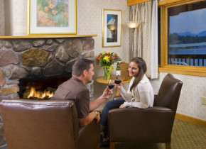 Romantic getaways at Golden Arrow Lakeside Resort.
