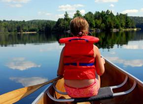 Canoeing at Pine Vista Resort.