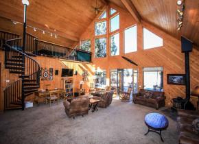 Rental living room at Big Bear Vacations.