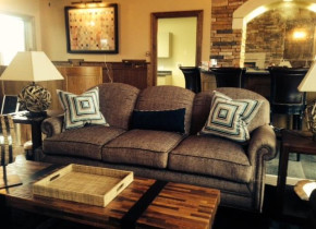 Lobby view at Fairway Suites.