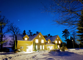 Winter time exterior at Eganridge Resort, Country Club & Spa.