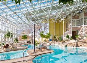 Indoor pool at Steele Hill Resort.