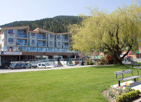 Exterior front view of Harrison Beach Hotel.