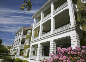 Exterior view of Jekyll Island Club Hotel.