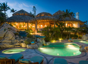 Rental pool at Sun Cabo Vacations.