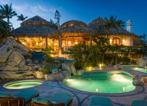 Rental pool at Sun Cabo Vacations.