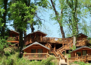 Exterior view of Copper John's Resort.