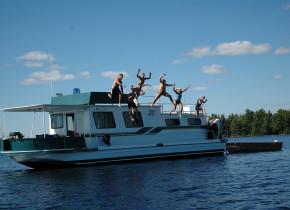 Jumping into the lake at Rainy Lake Houseboats.