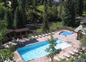 Outdoor pool at Antlers At Vail.
