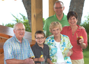 Family gatherings at Ruttger's Bay Lake Lodge.