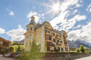 Exterior view of Hotel Monte Sella.
