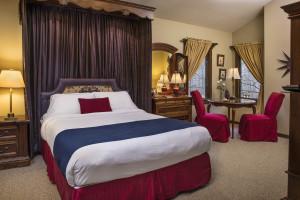 Guest suite at Glenlaurel Scottish Inn & Cottages.