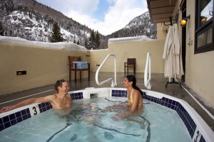 Outdoor hot tub at Edelweiss Lodge.