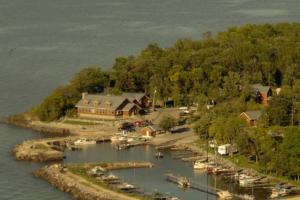 Aerial view of Arnesen's Rocky Point Resort.