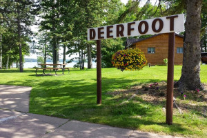 Exterior view of Deerfoot Lodge and Resort.