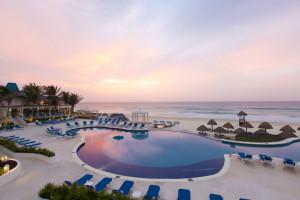 Outdoor pool at Golden Parnassus Resort & Spa Cancun.