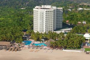 Exterior view of Hotel Dorado Pacifico.