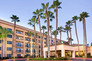 Exterior view of Courtyard by Marriott Laguna Hills Irvine Spectrum/Orange County.