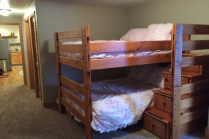 Cabin bunk beds at Lakeview Lodge 307.