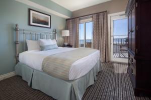 Guest bedroom at Holiday Inn Club Vacations Galveston Beach Resort.