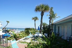 Exterior view of Daytona Shores Inn and Suites.