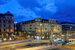 Exterior view of Hotel Schweizerhof.