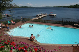 Outdoor pool at Ruttger's Bay Lake Lodge.