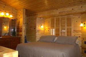 Cottage bedroom at Amberwood.