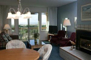 Guest room at Canterbury Inn.
